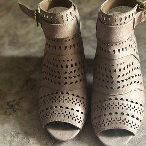 Qupid Tan Slingback Sandals